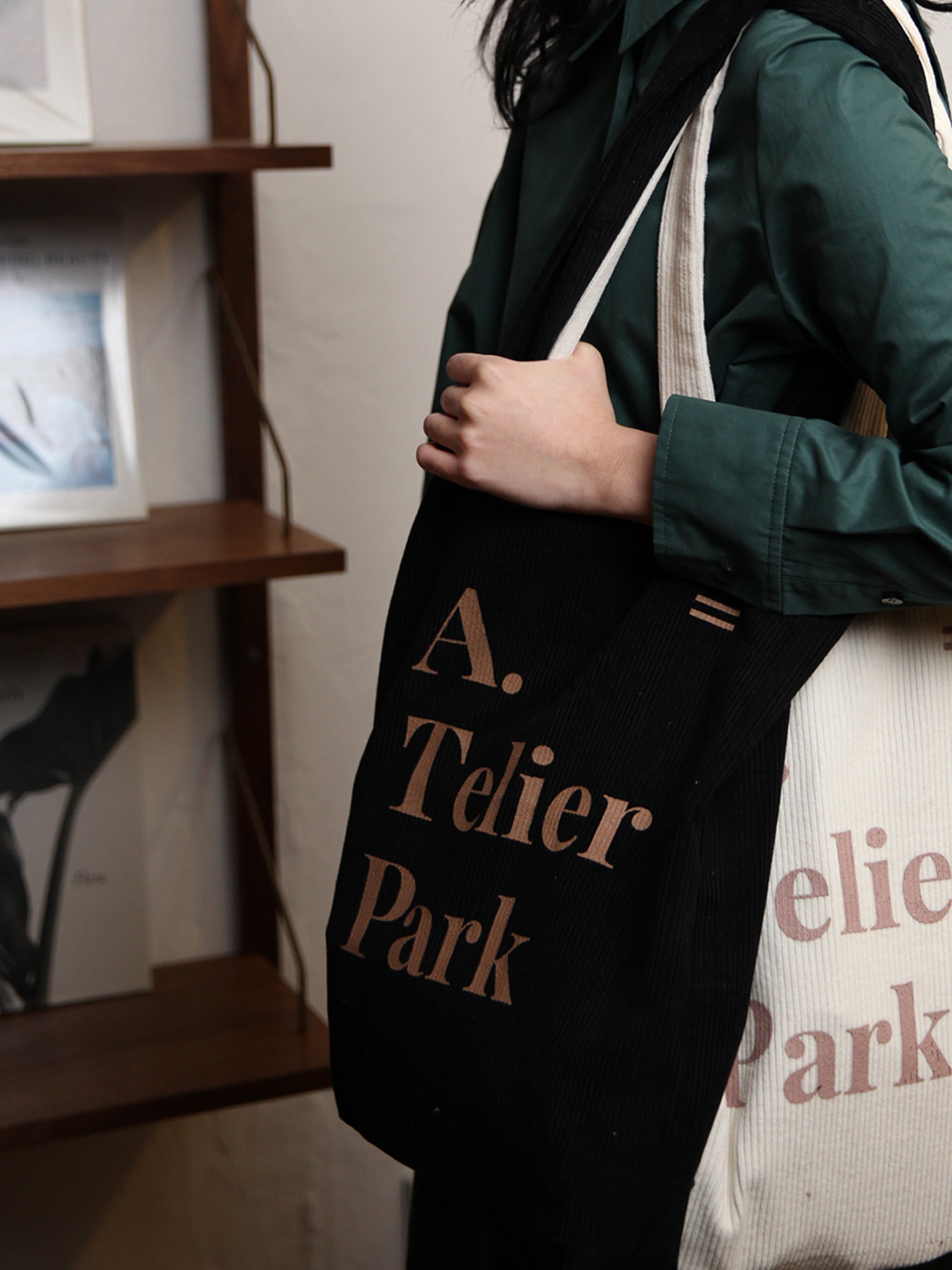ATELIER PARK EASY COTTON BAG - BLACK